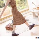 《FA2327》英倫格紋緹花包芯紗厚針織A字中長裙--適 XL~4L OrangeBear