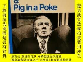 二手書博民逛書店Close罕見of Play & Pig in a Poke b