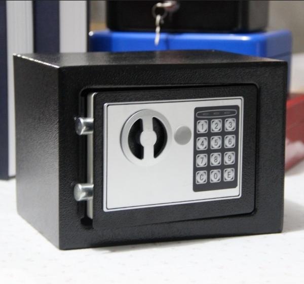 家用小型保險箱 迷你入牆全鋼床頭辦公保險櫃單門電子密碼保管箱WY