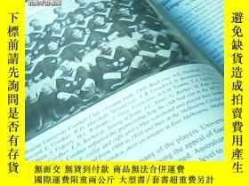 二手書博民逛書店THE罕見TIES THAT BIND A HISTORY OF SPORT AT THE UNIVERSITY