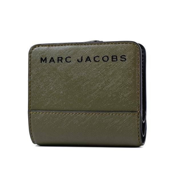 美國正品 MARC JACOBS 黑色LOGO防刮皮革釦式短夾-軍綠色【現貨】