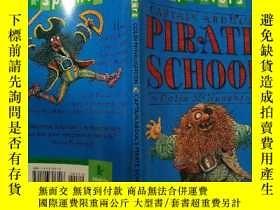 二手書博民逛書店CAPTAIN罕見ABDUL S PIRATE SCHOOL:阿蔔杜勒船長的海盜學校Y200392