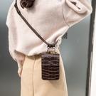 腰帶點綴旋扣式翻蓋女腰包