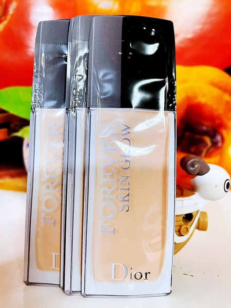 Dior 迪奧 超完美持久柔霧粉底液 0.7ml 試用包/旅行包 色號#1N (010)