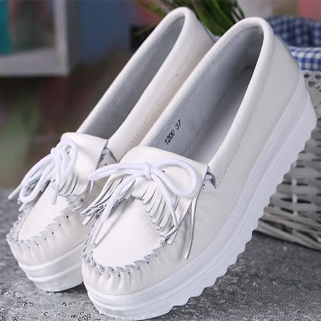 (全館一件免運)DE shop - 莫卡辛全真皮100%牛皮 蝴蝶結流蘇厚底包鞋35-39號 【UH-3220】