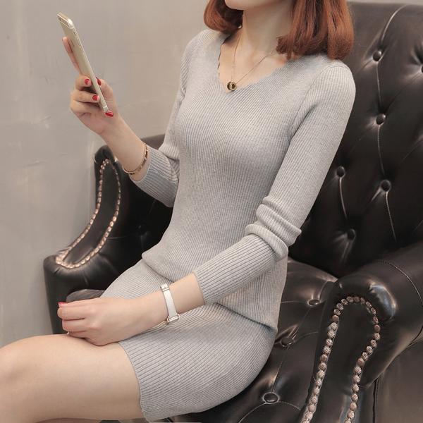 秋冬季新款韓版女裝針織衫女套頭v領中長款修身打底衫毛衣連衣裙