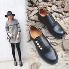 手工真皮女鞋34~43 2020新款時尚學院風珍珠小皮鞋 樂福鞋 ~黑色