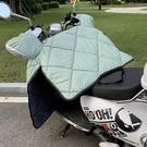 擋風被 電動車擋風被冬季電瓶車擋風罩摩托車冬天防風被保暖加絨加厚【快速出貨八折下殺】