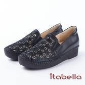 ★2018春夏新品★itabella.舒適真皮 水鑽雕花內增高休閒鞋(8225-90黑)