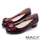 MAGY 甜美新風貌 真皮造型鑽飾蝴蝶結粗低跟鞋-紅色