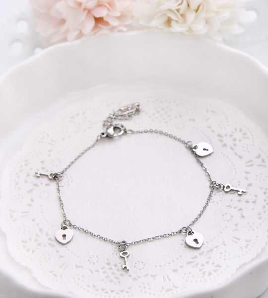 專櫃等級◆愛情鎖◆極美鈦鋼手鍊