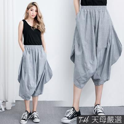 【天母嚴選】顯瘦不規則直條紋口袋七分寬褲(共二色)