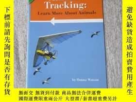 二手書博民逛書店Animal罕見Tracking: Learn More Abo