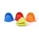 矽膠手套(一雙出貨) 微波爐手套 烤箱防滑 矽膠防滑防燙手套 (顏色顏機出貨)