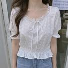 DE shop - 花朵刺繡收腰短款復古花邊港風短袖襯衫- ZG-1164