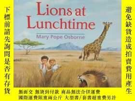 二手書博民逛書店Lions罕見at Lunchtime ( 午餐時的獅子們)Y2