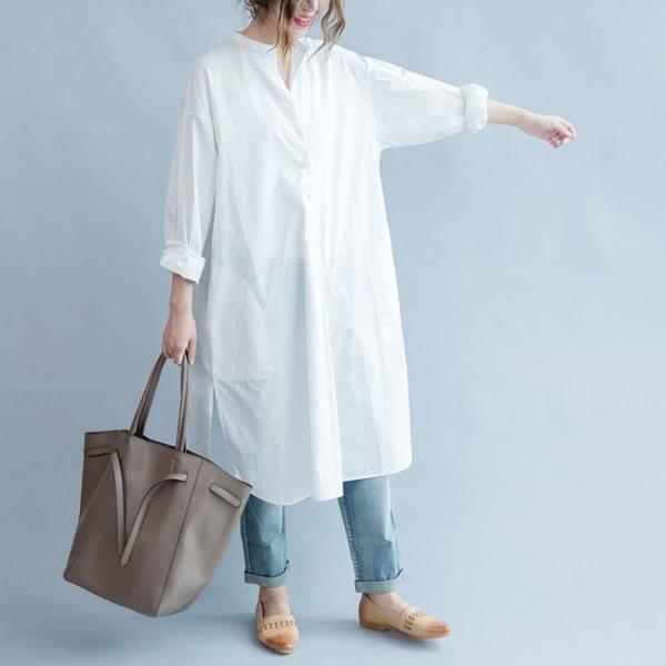 漂亮小媽咪 實拍 文藝 長版 襯衫 【C1590】純色 寬鬆 長款 開叉 不對稱 襯衫 開扣 洋裝