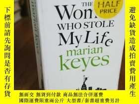 二手書博民逛書店The罕見Woman Who Stole My LifeY128