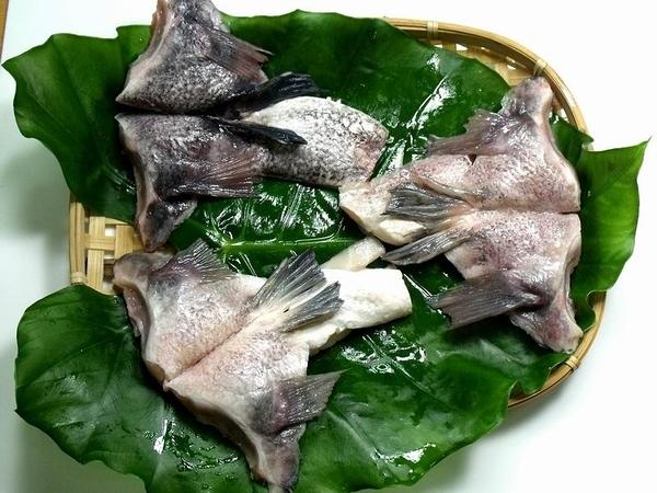 1B6B【魚大俠】FH011台灣鯛魚下巴 大片裝1KG 工廠直出 價格優惠