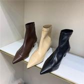尖頭靴 2020新款韓版短靴女春秋單靴時尚百搭尖頭套筒中跟細跟靴子女裸靴 阿卡娜