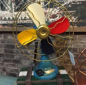 [協貿國際]   電風扇擺件咖啡廳擺道具家居裝飾品  (1入)