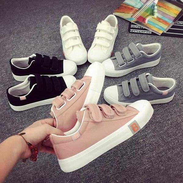 DE shop~(GG-5261)韓妞款擺搭魔鬼氈小白鞋熱賣款帆布鞋