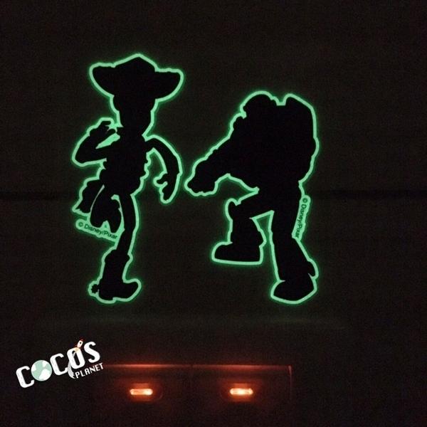 迪士尼貼紙 玩具總動員 巴斯光年 胡迪 夜光剪影造型壁貼 夜光防水貼 開關貼 轉印夜光貼 COCOS TK030
