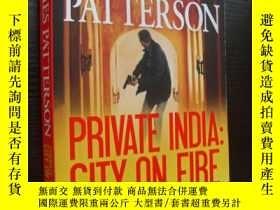 二手書博民逛書店Private罕見India:City on Fire (201