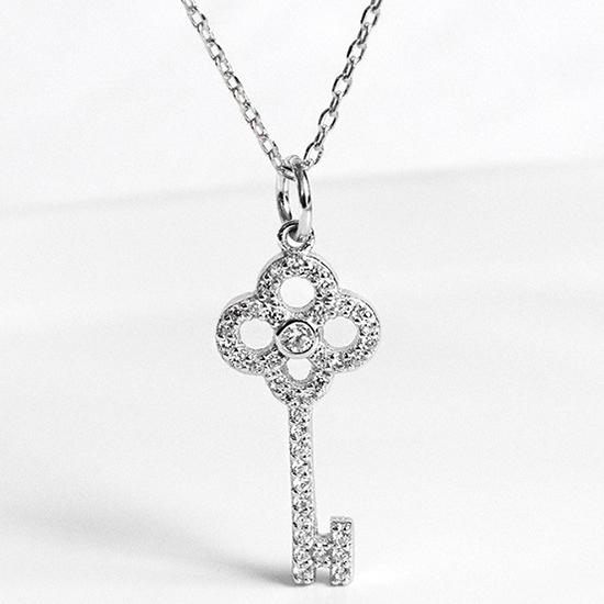 《 QBOX 》FASHION 飾品【CA217】精緻秀氣優美鑲鑽鑰匙S925純銀項鍊/吊墜