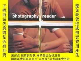 二手書博民逛書店The罕見Photography ReaderY171197 L