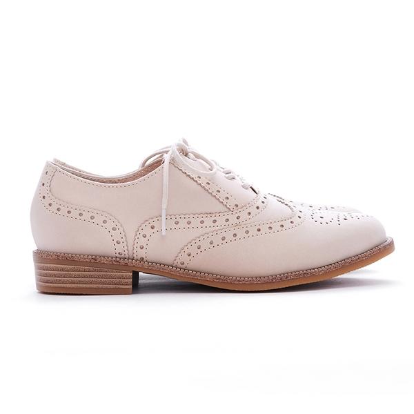 MICHELLE PARK 英倫 ‧ 牛皮質感雕花圖案牛津鞋-米白色