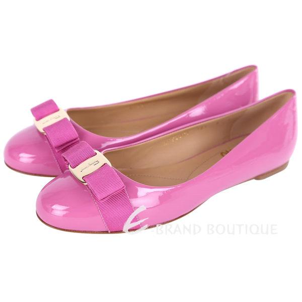 Salvatore Ferragamo VARINA 漆皮娃娃鞋(水蜜桃色) 1420344-42