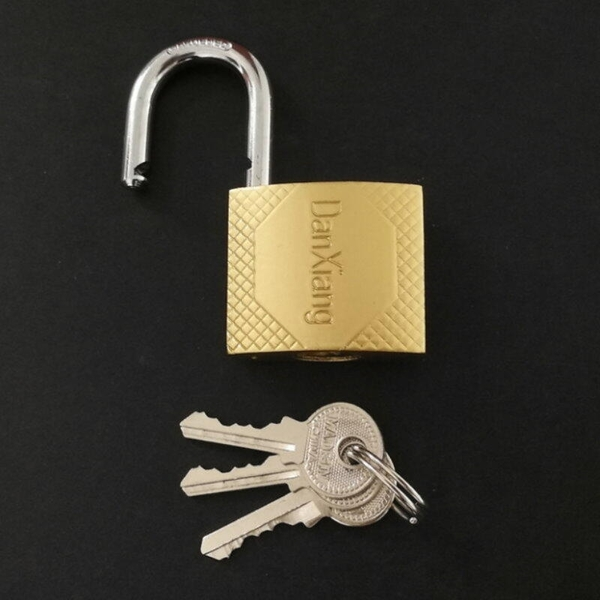 【GC230D】銅鎖 38 鋼索銅鎖 銅掛鎖 行李箱鑰匙鎖 附鑰匙 鎖頭 門鎖 行李鎖 EZGO商城