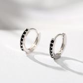 耳環:925純銀耳圈女 黑白鋯石耳扣  【新飾界】