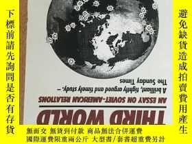 二手書博民逛書店Cold罕見War, Third World: An essay