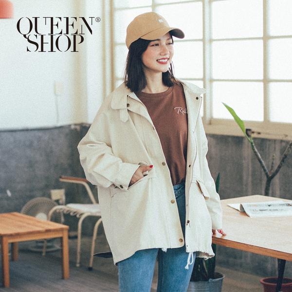 Queen Shop【02071153】立領造型釦雙口袋設計外套 兩色售*現+預*
