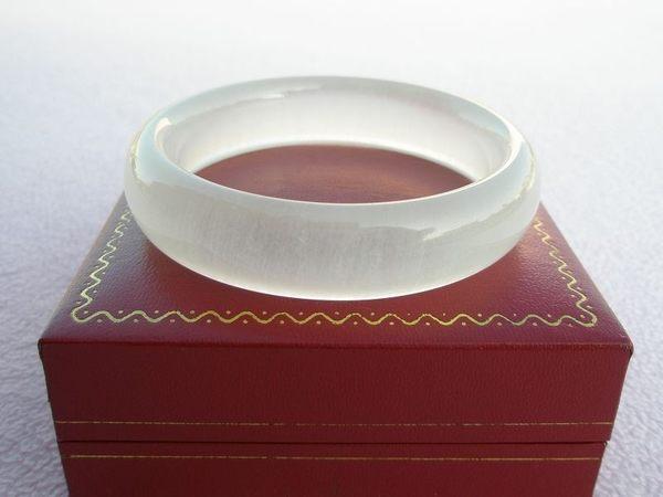 【歡喜心珠寶】【天然極品冰種蠶絲玉手鐲】手圍18.3圍,天然地方玉「附保証書」,超低價售出