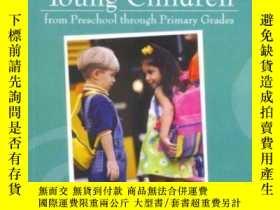 二手書博民逛書店Educating罕見Young Children From Preschool Through Primary
