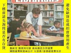 二手書博民逛書店Librarians罕見(Community Helpers)Y