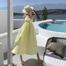 吊帶連身裙-露背高腰寬鬆黃色長洋裝74a...