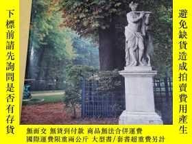 二手書博民逛書店Garden罕見Ornament Five Hudred Years of History and Practic