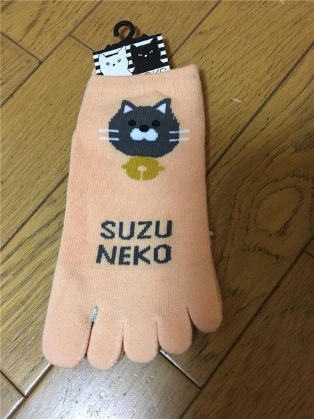 【京之物語】日本帶回P.O.A.C貓咪鈴鐺女性五趾短襪(黑/橘)