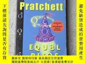 二手書博民逛書店Equal罕見RitesY21478 Terry Pratche