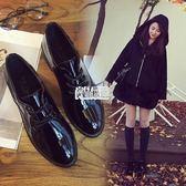 英倫學院風粗跟小皮鞋漆皮繫帶復古牛津鞋尖頭黑色女單鞋