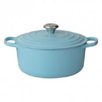 新色【LE CREUSET】典藏鑄鐵圓鍋 24cm (晴空藍) 鋼頭