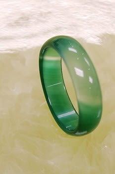 [協貿國際]天然綠瑪瑙戒指板指飾品(3入價)