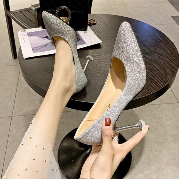婚鞋女2020新款春秋尖頭亮片婚紗伴娘銀色單鞋水鑽新娘細跟 高跟鞋 快速出貨