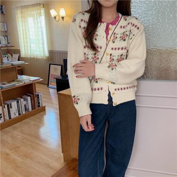 針織外套 毛衣外套女開衫年新款秋季寬鬆外穿復古日系短款長袖針織上衣 卡洛琳
