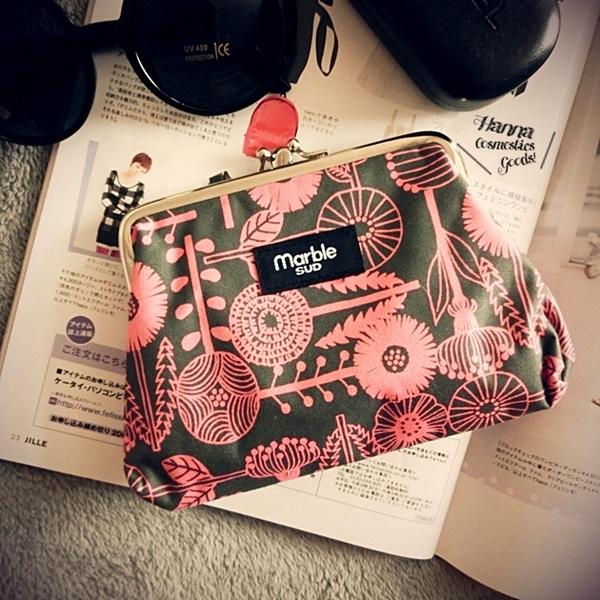 《花花創意会社》北歐MARBLE粉綠花朵雙層口金手拿包【H3876】