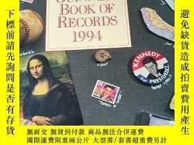 二手書博民逛書店the罕見guinness book of records 19